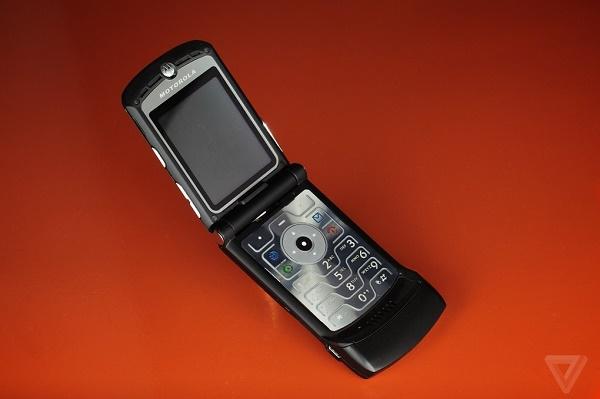 Motorola RARZ V3: Huyền thoại điện thoại siêu mỏng