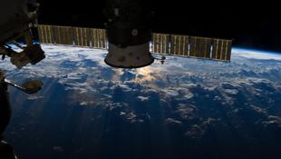 Ảnh Trái Đất tuyệt đẹp chụp từ không gian