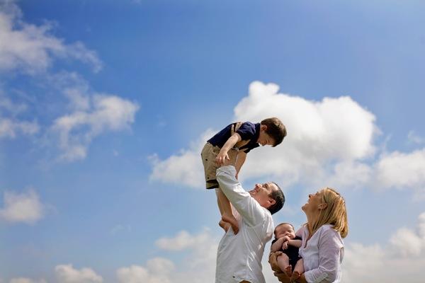 Những kiểu tạo dáng đẹp khi chụp ảnh gia đình - 5829