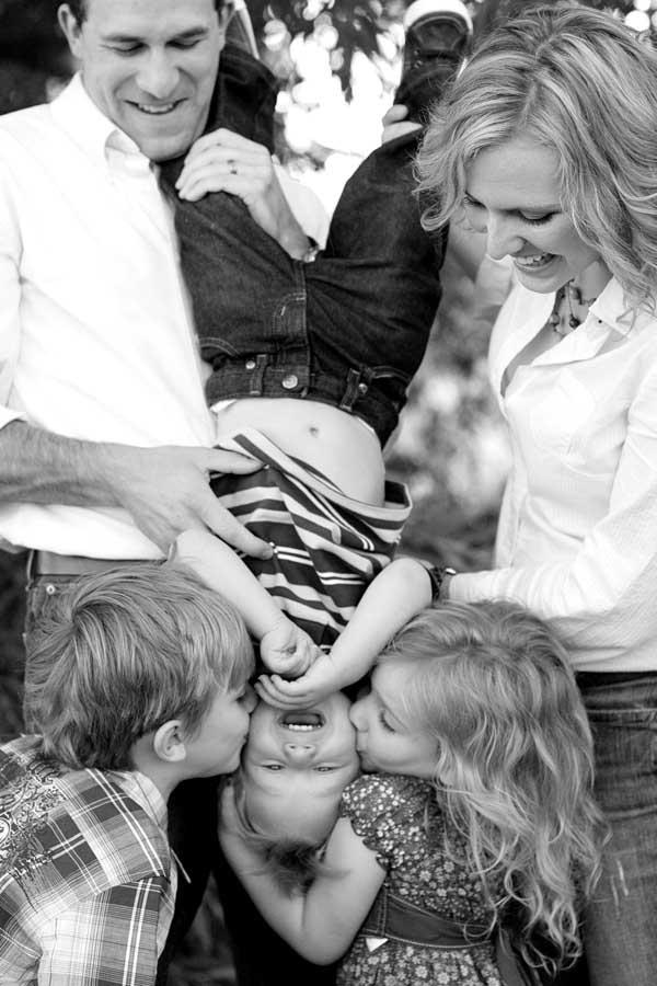 Những kiểu tạo dáng đẹp khi chụp ảnh gia đình - 5830