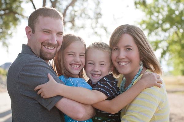 Những kiểu tạo dáng đẹp khi chụp ảnh gia đình - 5825