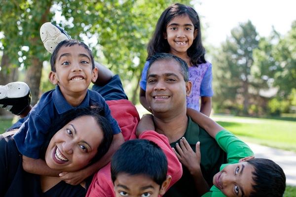 Những kiểu tạo dáng đẹp khi chụp ảnh gia đình - 5824