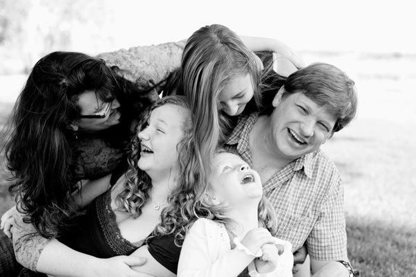 Những kiểu tạo dáng đẹp khi chụp ảnh gia đình - 5823
