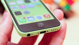 iPhone 5c ế nặng, Apple cắt một nửa sản lượng