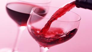 Rượu vang giúp hỗ trợ điều trị ung thư