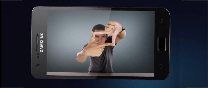 Samsung bán 300 triệu điện thoại năm 2011