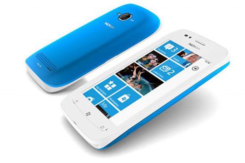 Nokia Lumia 710 lên kệ, giá khoảng 7,2 triệu đồng