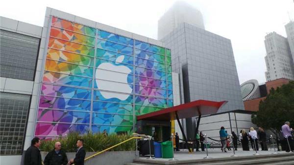 Miễn phí, miễn phí, và miễn phí: Chiến lược kinh doanh mới của Apple