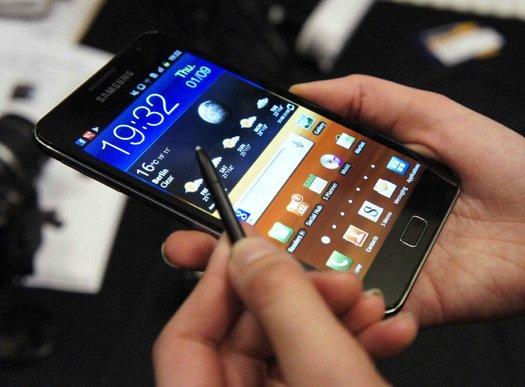 Lỗi linh kiện smartphone, Samsung phải xin lỗi người dùng