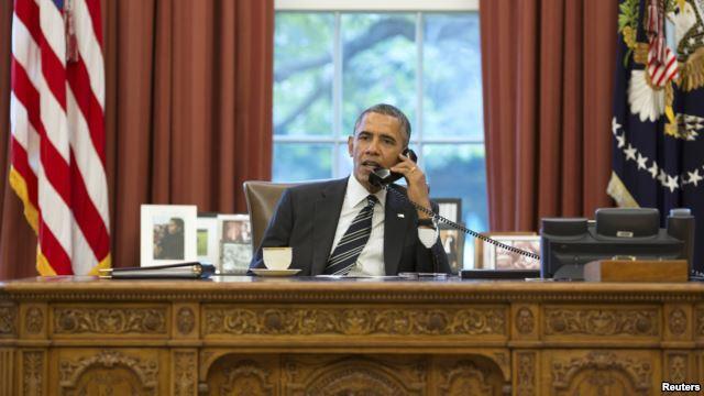 """Tổng thống Obama """"toát mồ hôi"""" trần tình vụ nghe lén"""