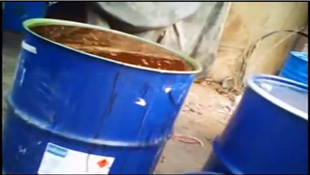 Video chế dầu ăn từ thức ăn thải chứa trong cống rãnh
