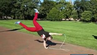 Màn nhảy dây tuyệt đỉnh của nhà vô địch thế giới