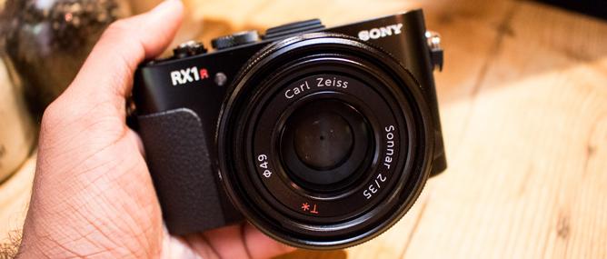 Đánh giá máy ảnh Sony RX1R