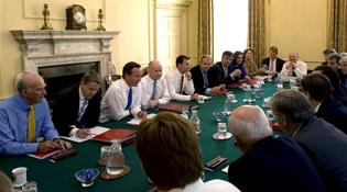 Đến lượt Anh lo ngại nguy cơ bị nghe lén từ iPad