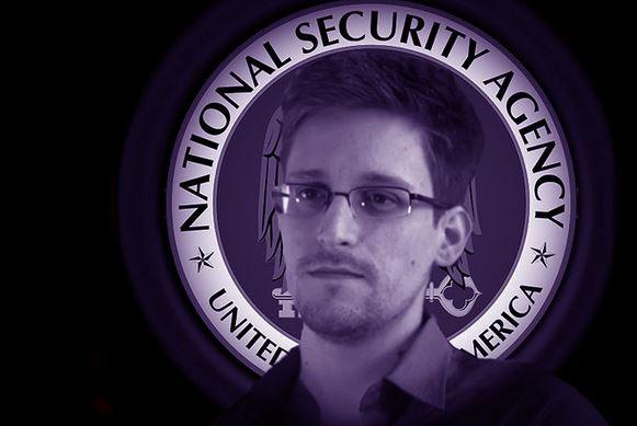 """Snowden đã """"mượn danh"""" 25 đồng nghiệp để lấy thông tin mật"""
