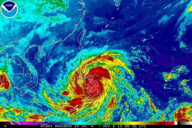 Video: Siêu bão Haiyan tàn phá miền đông Philippines