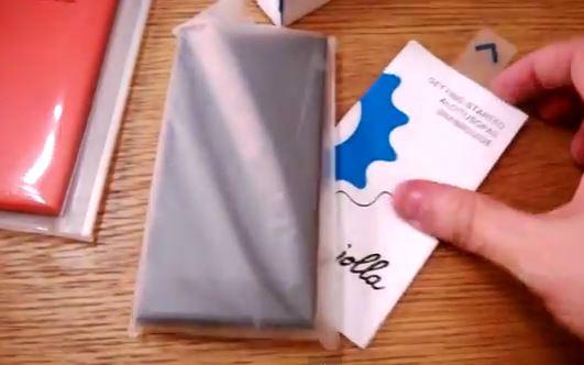 Đập hộp smartphone Jolla chạy Sailfish OS