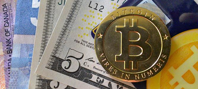 """""""Cha đẻ"""" Bitcoin trở thành tỷ phú đô la"""