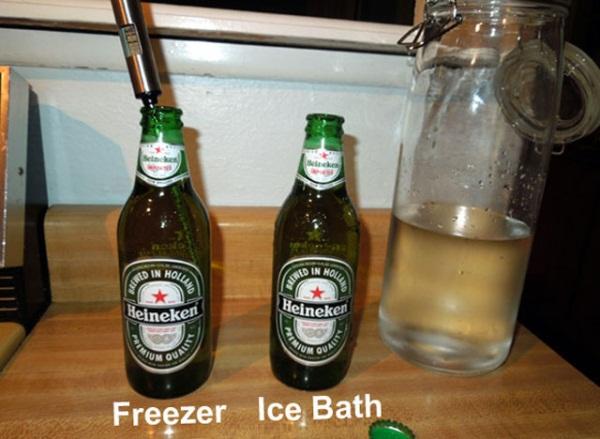 cách làm lạnh bia chuẩn ngâm trong nước đá đặt trong tủ lạnh bia lon bia chai