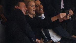 """Phía sau bức hình """"tự sướng"""" của Tổng thống Obama tại lễ tưởng niệm Nelson Mandela"""