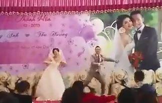 """Màn nhảy nhót """"bá đạo"""" của cô dâu và chú rể tại đám cưới"""