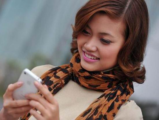 """Không có chuyện Viettel, MobiFone và VinaPhone """"tự động móc túi khách hàng trăm tỷ""""?"""