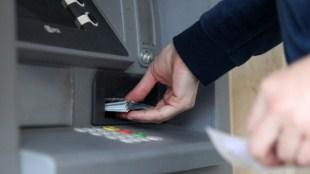 Các trạm ATM chạy Windows XP bị tin tặc qua mặt bằng... USB