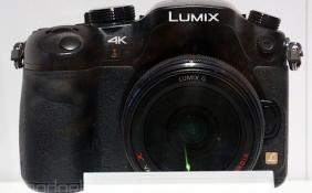 Máy ảnh không gương lật quay video 4K giá chưa đến 2000 USD