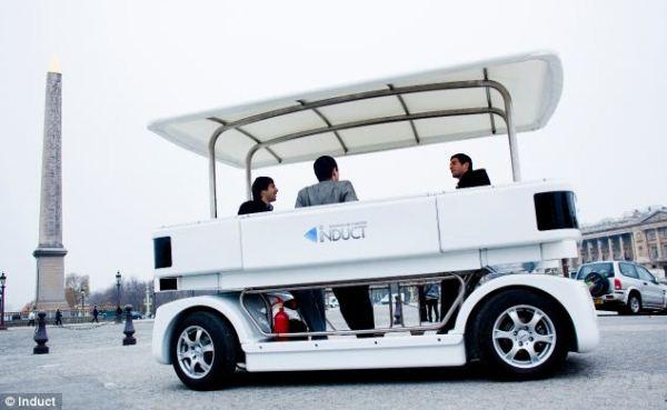 Ra mắt ô tô tự lái thương mại đầu tiên trên thế giới