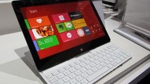 Cận cảnh máy tính bảng Tab Book 2 của LG