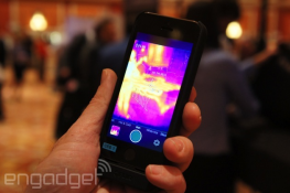 FLIR One: Phụ kiện biến iPhone thành máy ảnh hồng ngoại