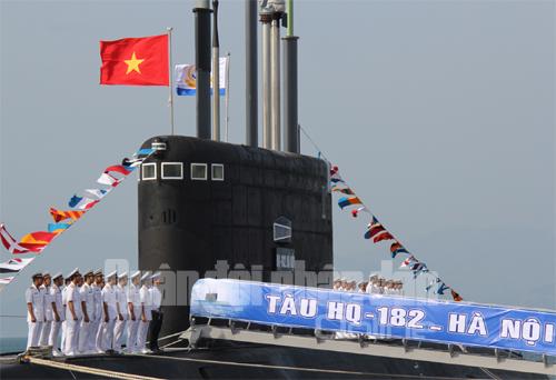 Lễ tiếp nhận Tàu ngầm HQ-182 Hà Nội
