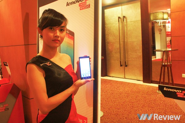 Lenovo Vibe Z bán ra tại Việt Nam từ giữa tháng Hai, giá 11,49 triệu đồng