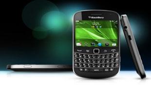 BlackBerry Bold 9900 bán tại Việt Nam giá 15,75 triệu đồng