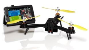 Máy bay không người lái có thể gập lại bằng một tablet cỡ nhỏ