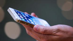 """iOS 7.1 sẽ khắc phục lỗi """"màn hình trắng chết chóc"""""""
