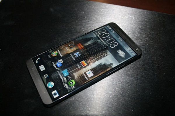 Lộ diện một loạt ảnh của HTC M8 (HTC One 2014)