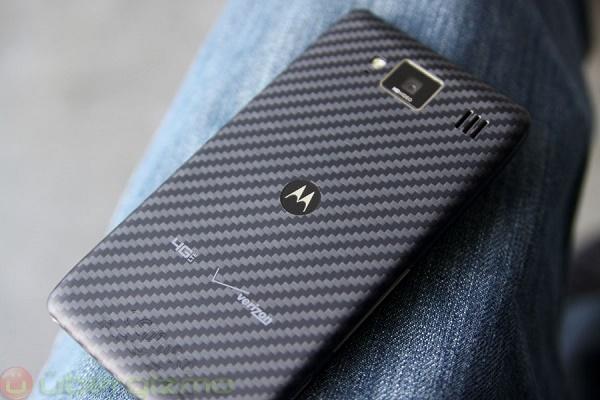Màn hình smartphone hay vỡ là do điện thoại quá mỏng!