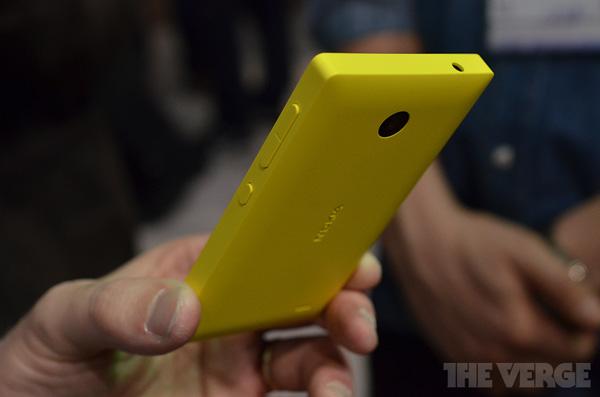 trên tay Nokia X