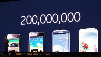 Infographic: Nhìn lại 5 thế hệ Samsung Galaxy S