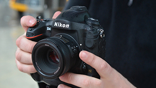 "Nikon ra mắt ""bom tấn"" D4S"
