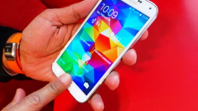 Dùng thử cảm biến vân tay và đo nhịp tim trên Galaxy S5