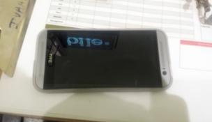 HTC M8 màu bạc xuất hiện trước giờ ra mắt
