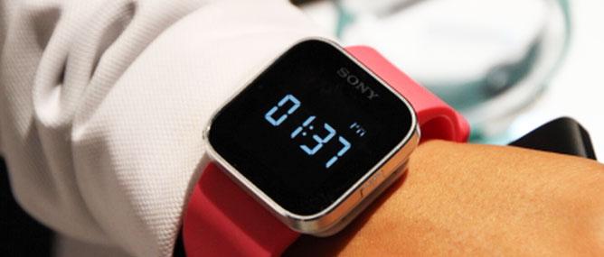 Trên tay đồng hồ SmartWatch chạy Android