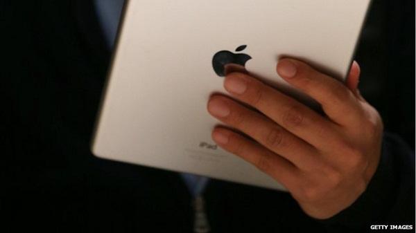 Apple đòi thư cho phép từ... người quá cố để mở iPad