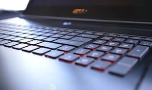 MSI trình làng laptop chơi game màn hình 3K, ổ SSD kép